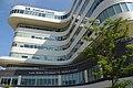 Louis Stokes Cleveland VA Medical Center (26936299596).jpg