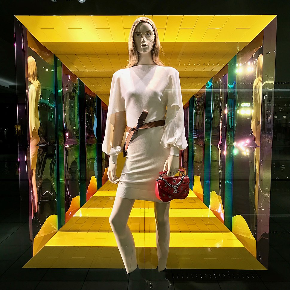 Louis vuitton shop window, Galleria, Houston