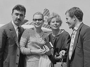 Luciano Emmer - Luciano Emmer, Marina Vlady, Magali Noël, and Bernard Fresson (1 June 1960)