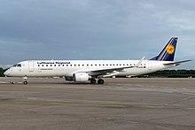 220px-LufthansaCityline_E195LR_D-AEBD_CGN_2010-10-06_01.jpg