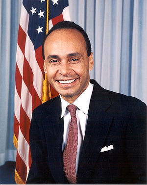 {{w|Luis Gutierrez}}, member of the United Sta...