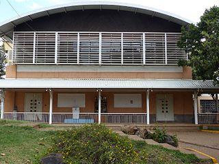 Fichier:Lycée Denis Diderot, Nairobi - Gymnase.JPG — Wikipédia