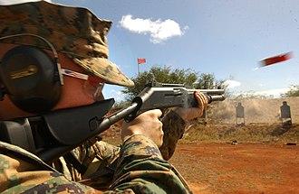Benelli Armi SpA - Benelli M4 Super 90 (M1014 combat shotgun)