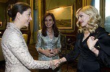220px-Madonna%2C_Betancourt_and_Fern%C3%A1ndez_de_Kirchner dans Personnalités du jour