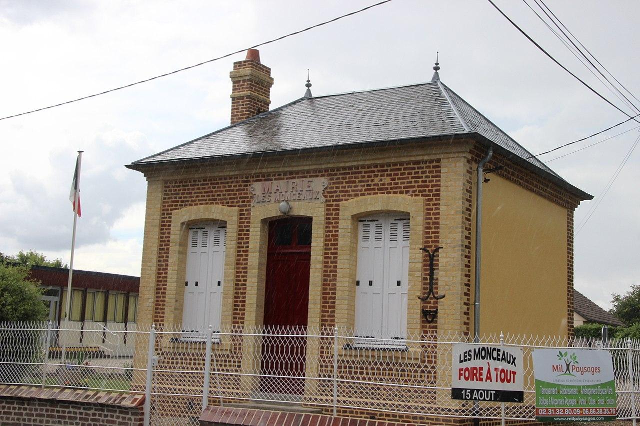 Mairie Les Monceaux.jpg