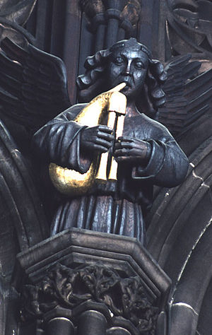 English bagpipes - 15th-century carving of bagpiper in the Manchester Cathedral