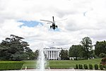 Marine One Departs the South Lawn (47849766491).jpg