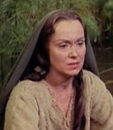Accéder aux informations sur cette image nommée Martha Scott in The Ten Commandments film trailer.jpg.