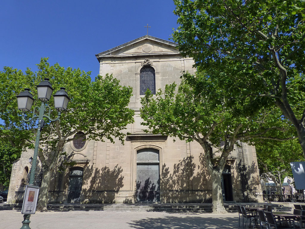 Maussane-Église Sainte-Croix (9).jpg
