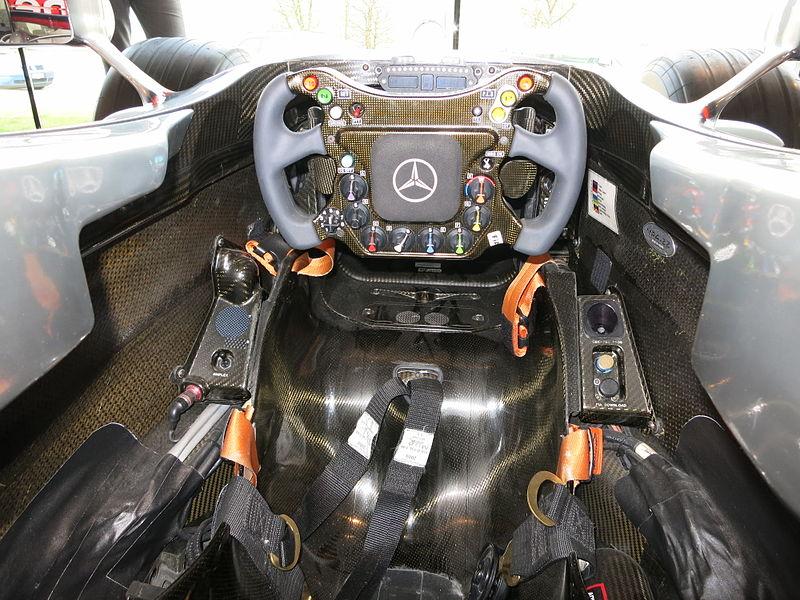 место пилота в болиде Формулы 1