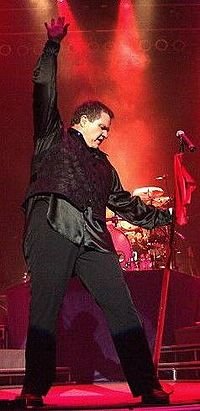 Meat Loaf in performance (New York, 2004).jpg