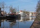 Meppel, het beurtscheepje de Vereeniging III bij het Oosteinde met twee ophaalbruggen foto6 2016-04-09 09.18.jpg