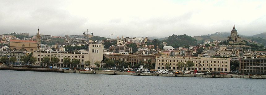 - اليوم     ,.-~*'¨¯¨'*·~-.¸-(مسينة) _)-,.-~*'¨¯¨'*·~-.¸  860px-Messina_Landscape_Centro