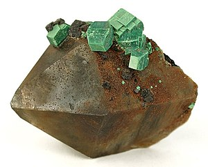 Smoky quartz - Image: Metazeunerite Quartz 201156