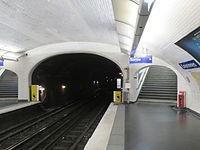 Metro Couronnes.JPG