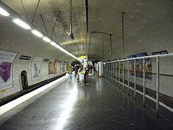 Metro Paris - Ligne 10 - Michel Ange Auteil.jpg