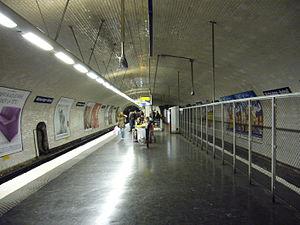 Michel-Ange – Auteuil (Paris Métro) - Image: Metro Paris Ligne 10 Michel Ange Auteil