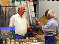 Miel sur le marché de Buis-les-Baronnies.jpg