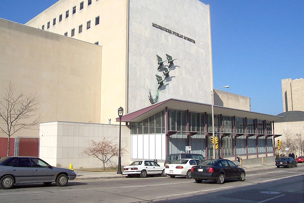 Milwaukee Public Museum.jpg