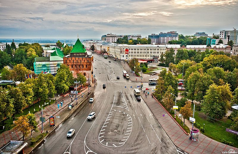 File:Minin and Pozharsky square-02.jpg
