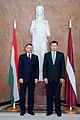 Ministru prezidents Valdis Dombrovskis tiekas ar Ungārijas parlamenta priekšsēdētāju Lāslo Kevēru (8122021642).jpg