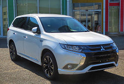 Mitsubishi Outlander PHEV G Safety Package 0375.JPG