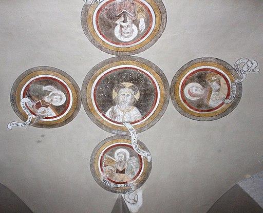 Abbazia di Monte Oliveto Maggiore, passaggio tra chiostro e chiesa, volta con evangelisti