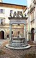 Montepulciano, pozzo dei grifi e dei leoni, 1520, 03.jpg