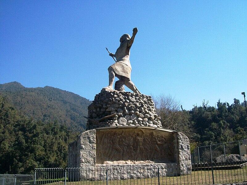 monumento a los h��roes de l