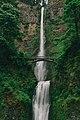 Multnomah Falls, United States (Unsplash sxWyOaHJb0s).jpg