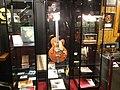 Museum RockArt, elektrisch gitaar van Eddy Christiani.JPG