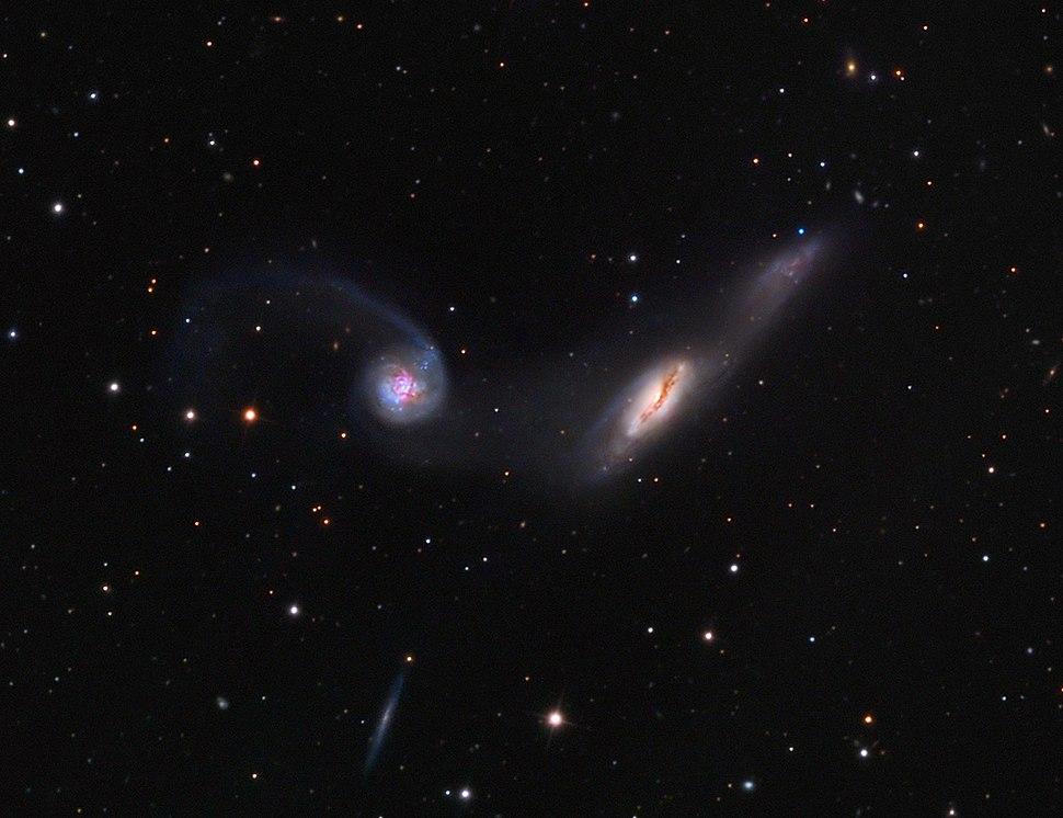 NGC 2992