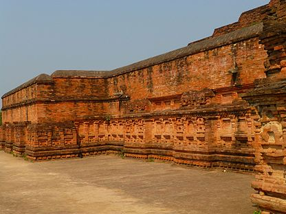 Nalanda - 032 Niches on Temple 13 (9250804607).jpg
