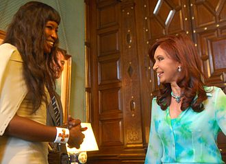 Naomi Campbell - Campbell during a meeting with Argentine president Cristina Fernández in 2008