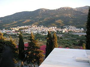 Neapoli, Crete - Image: Neapoli crete view from graveyard