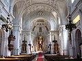 Neue Pfarrkirche St. Margaret Innenraum Muenchen-1.jpg