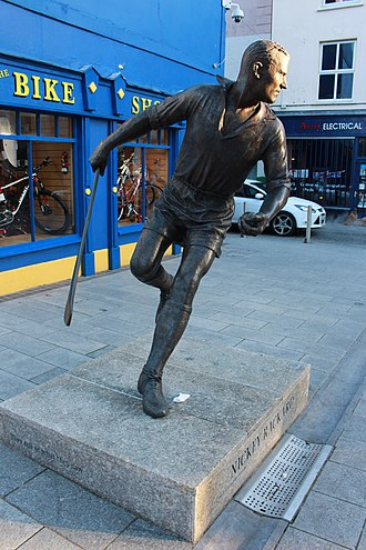 Nicky Rackard - Statue of Rackard in Wexford town.