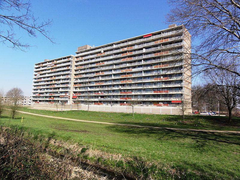 File:Nijmegen Hatert, flat Malderburchtstraat.jpg