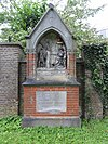 foto van Kruiswegstaties op Begraafplaats Daalseweg