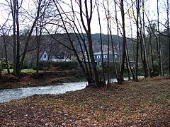 Nisa a Kolonka, Andělská Hora čp. 117 a 94.jpg