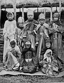 Nogai girls (beginning of XX century).jpg