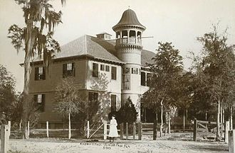 Rollins College - Image: Old Knowles Hall, Rollins College, Winter Park, FL