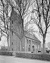 overzicht zuidwestgevel met kerktoren en kerkhof - hantumhuizen - 20345532 - rce