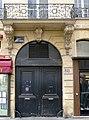 P1050021 Paris Ier rue Danielle-Casanova immeuble n°23 porte et balcon MH rwk.jpg