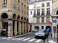 P1160375 Paris II rue des Colonnes rwk.jpg