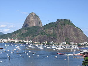 The Amazing Race 2 - In Rio de Janeiro, teams traveled to Sugarloaf Mountain where they found the race's first Detour.