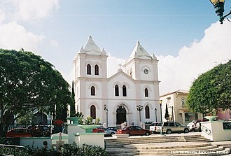 Aibonito, Puerto Rico - Image: Parroquia San José, Aibonito, Puerto Rico (4764103748)