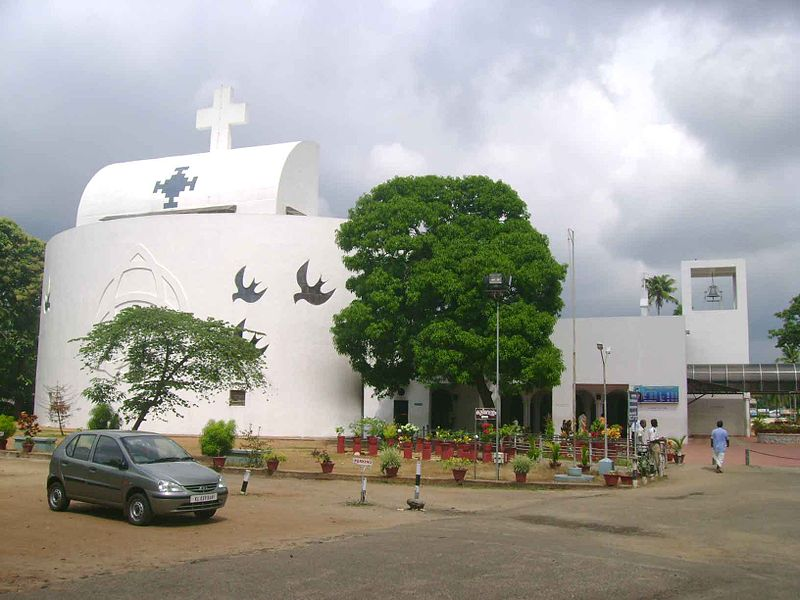 പ്രമാണം:Parumala-Church-Front.jpg