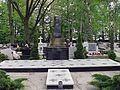 Parzymiechy cmentarz grób żołnierski 20110502.jpg