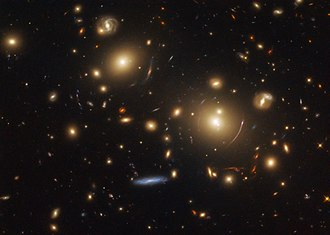 Strong gravitational lensing - Image: Peering into the past SDSS J0928+2031